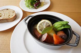 原木椎茸ソーセージのスープ