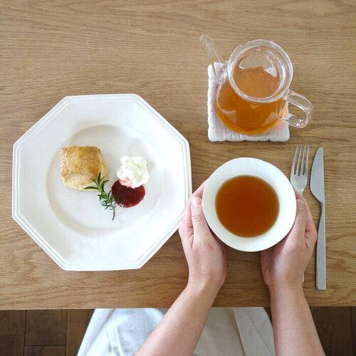 1 囀紅茶とスコーン.jpg